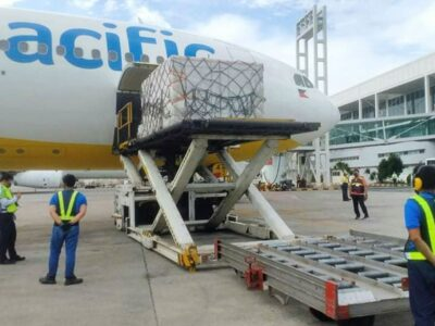 Cebu Pacific Airlifts Vaccines